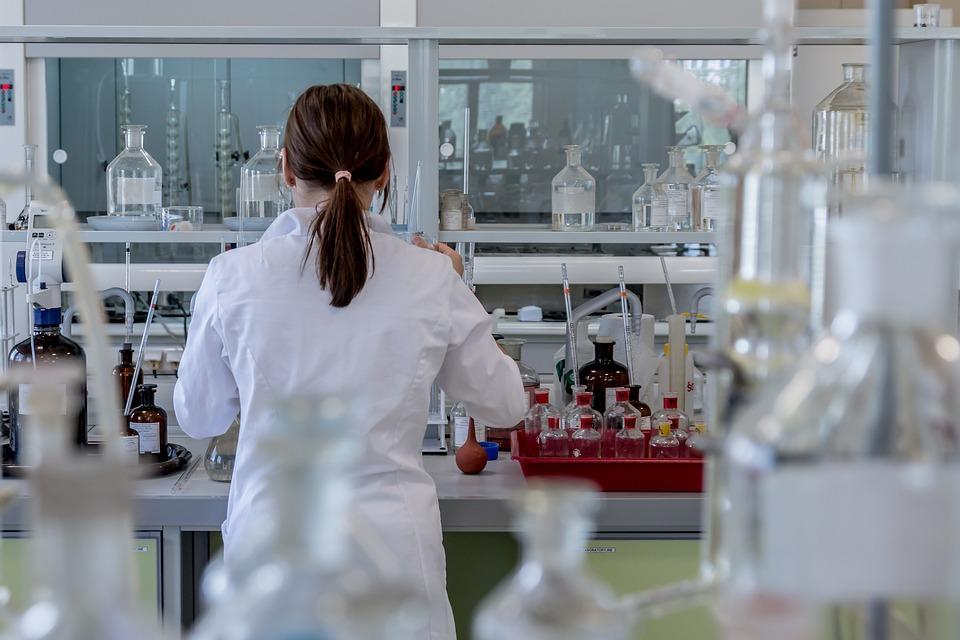 Κινέζοι επιστήμονες ψάχνουν το ελιξίριο της νεότητας: Δοκιμάζουν μια νέα  γενετική θεραπεία που καθυστερεί τη γήρανση | Hellasjournal.com
