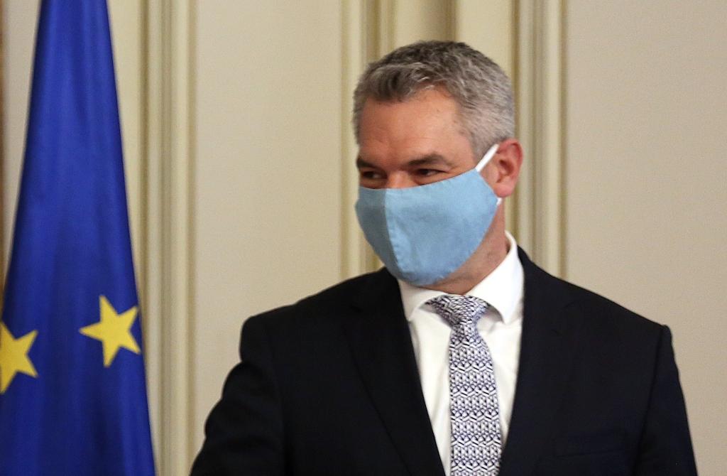 Καταπέλτης ο Αυστριακός ΥΠΕΣ: Η Τουρκία πιέζει την Ελλάδα ...