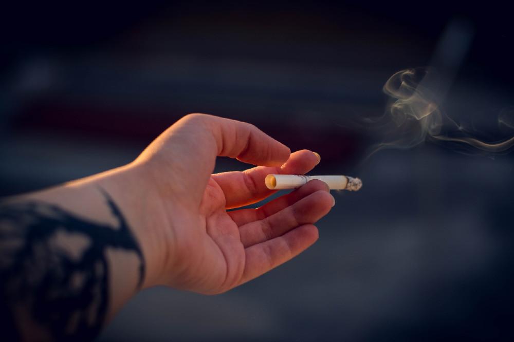 Κάπνισμα Unsplash / Irina Iriser