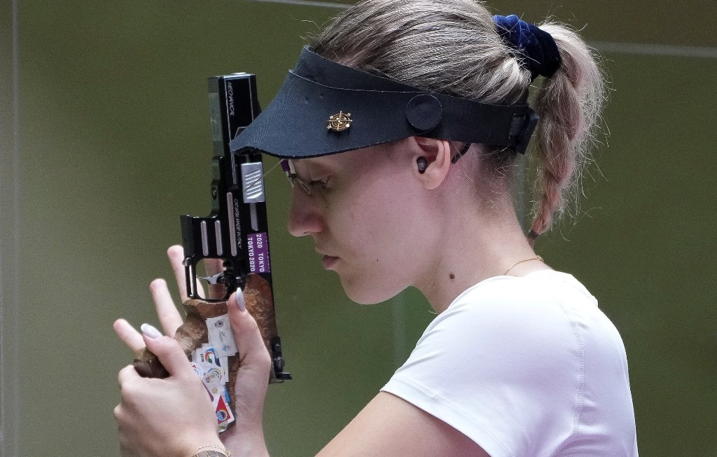 Αννα Κορακάκη: Πέρασε στον τελικό των 25μ σπορ πιστόλι και μάχεται αυτή την ώρα για το Χρυσό