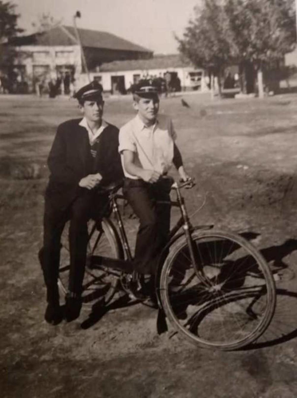 Σκοτούσσα Σερρών, το χωριό που αγαπάει εδώ και έναν αιώνα το ποδήλατο: Oι  σύμμαχοι, η Βαγγελούσα και ο Σάκης ο ποδηλατάς [photo] | Hellasjournal.com